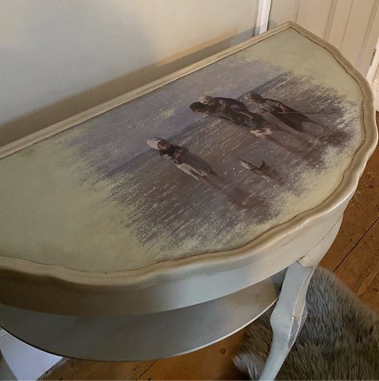 Half Moon Table with Image