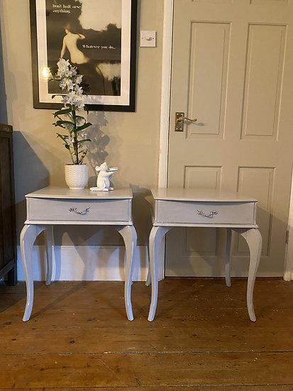 Set of 2 Bow Leg Bedside Table