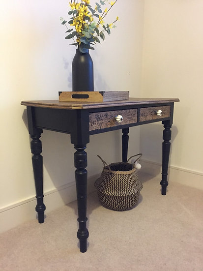 Victorian Side Table with 2 Drawers