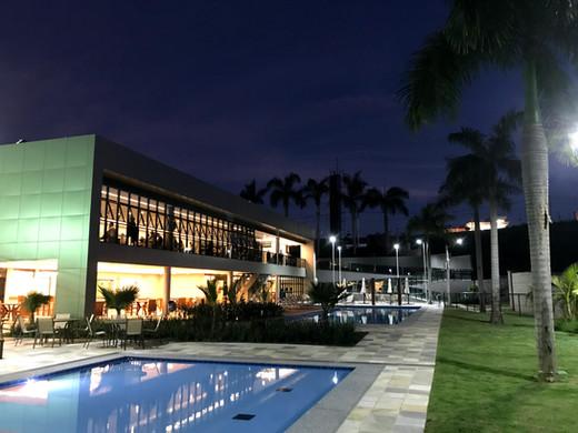 condominio-belleville-piscinas-noite.jpg