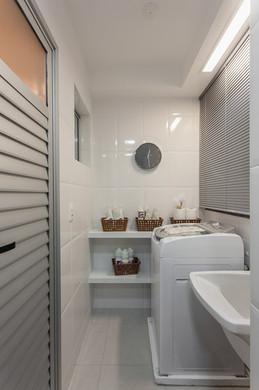 ed-por-do-sol-banheiro-serviço.jpg