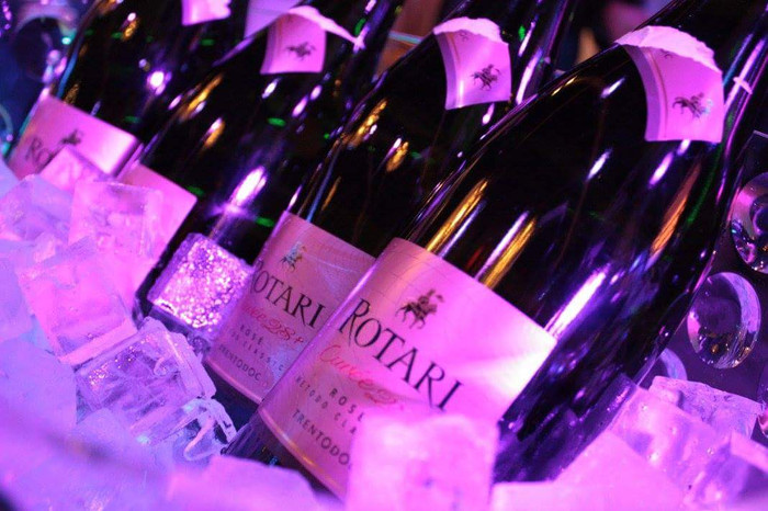 Mouserende wijn Catering