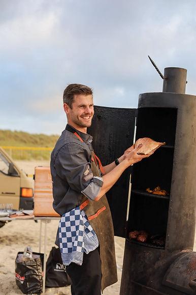 Barbecue met kok.JPG