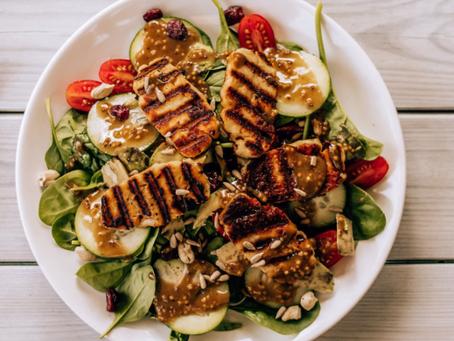 ¿Cómo armar una ensalada completa, rica, fácil y nutritiva?