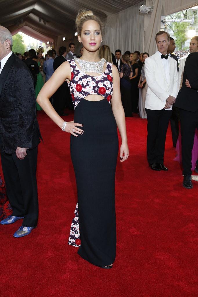 Jennifer Lawrence in Dior.jpg