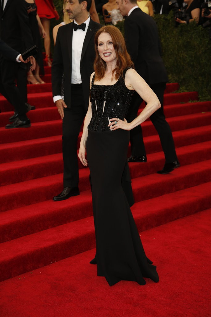Julianne Moore Givenchy couture.jpg