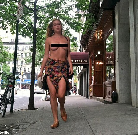 Demi Moore And Bruce Willis daughter topless in NYC