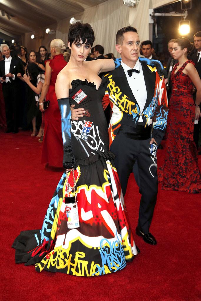 Ketty Perry & Jeremy Scott in Moschino.jpg