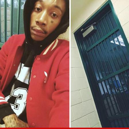 Rapper Wiz Khalifa arrested for possesion of Marijuana, Tweets jail Selfie