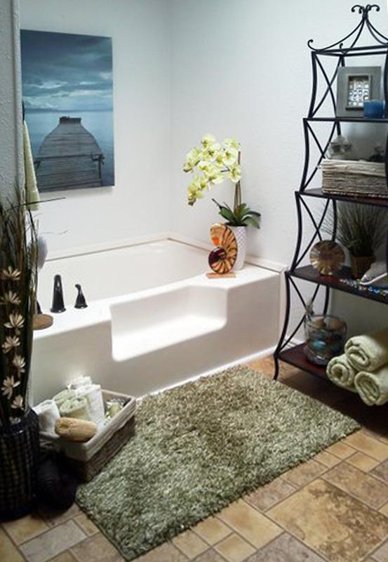 Relaxing spa tub at Pinewood Estates