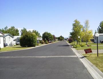 Well-kept streets and neighborhood