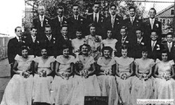 1951_graduating_class_p.s.17