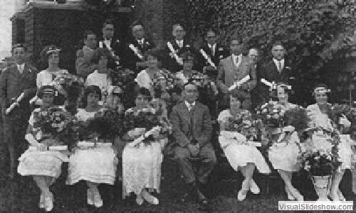 1925_graduating_class_p.s.17