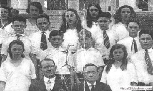 1922_graduating_class_p.s.17