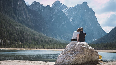 Couple Photo - timo-stern - unsplash_edi