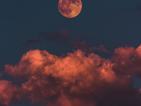 How To Harness The Power Of The Full Moon | The Do's & Don'ts