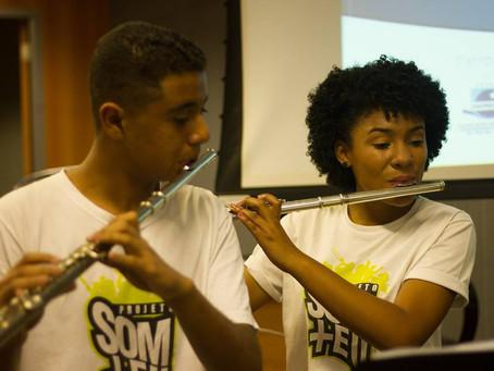 Projeto Som + Eu abre inscrições para aulas de música gratuitas em Duque de Caxias