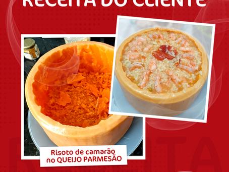 RISOTO DE CAMARÃO NO QUEIJO PARMESÃO