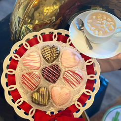 heart hot chocolate bombs w hot chocolat