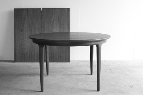 Round Table Teak / Johannes Andersen
