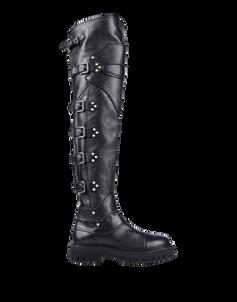 Overknee Stiefel von Dolce & Gabbana im Biker Stil, aus Leder, mit Schnallen- und Nietendetails in Silber. Erhältlich über yoox.com für ca. 1.550 Euro
