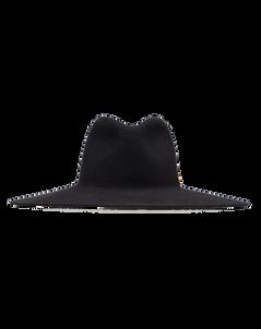 """Valentino Garavani Hut """"Vlogo"""" in Schwarz mit breiter Krempe und kleinem V-Logo Detail aus Metall mit Messing-Finish in Antik-Optik an der Seite. Preis ca. 490 Euro."""