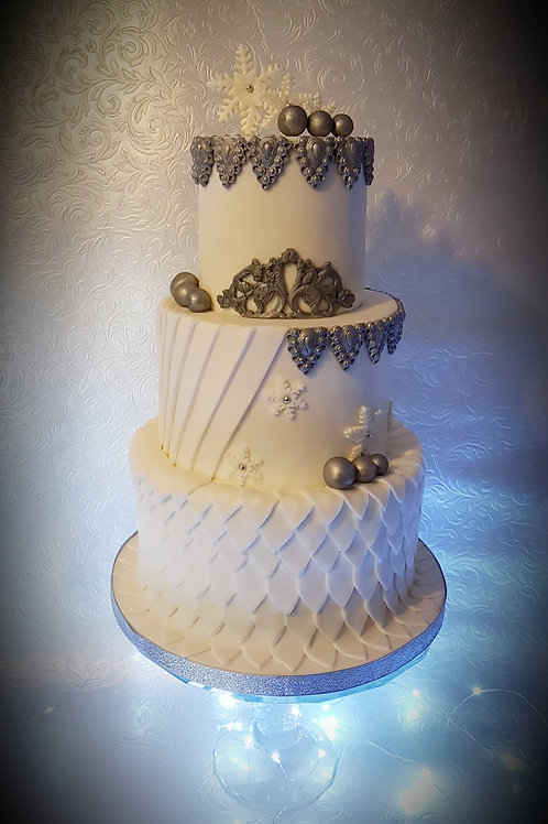 Vintage Christmas Wedding Cake