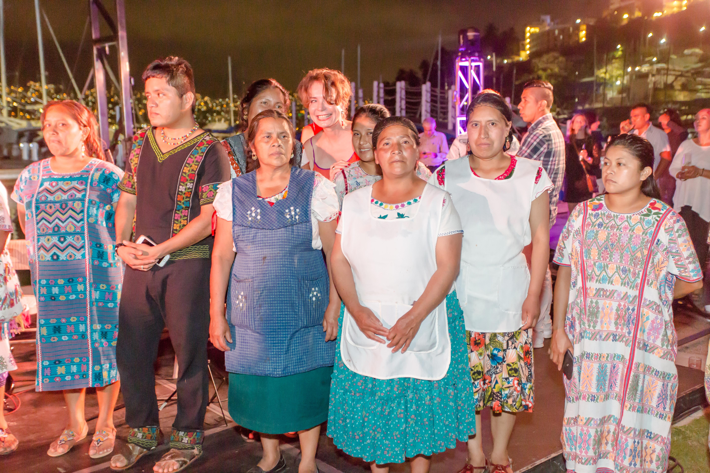 Cocineras tradicionales de Oaxaca y Guerrero