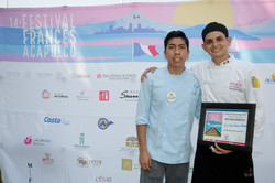 Ali Jaimes con Terry Cseres el nuevo ganador del Concurso de Joven Chef.jpg