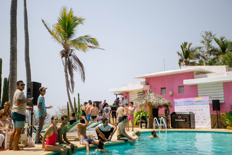 Pool party en Hotel Los Flamingos