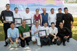 Entrega de reconocimientos a jurado, ganador y participantes de panel