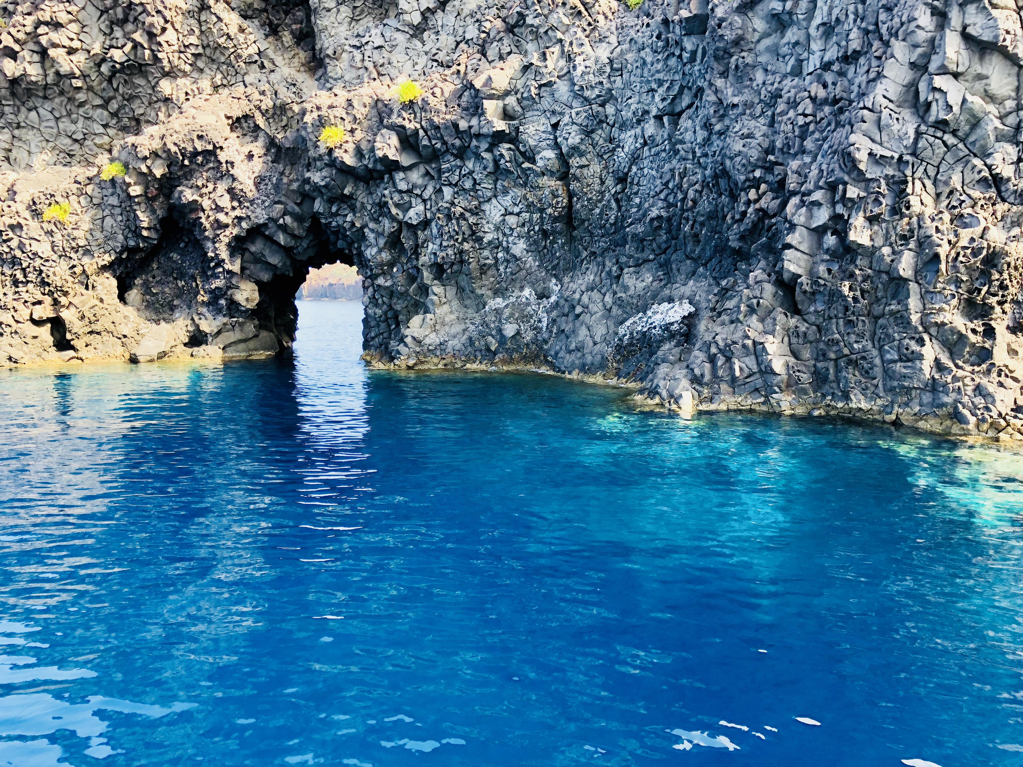 Die Grotte auf Filicudi