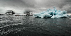 Svalbard Iceberg zodiac 2-9205_WEB