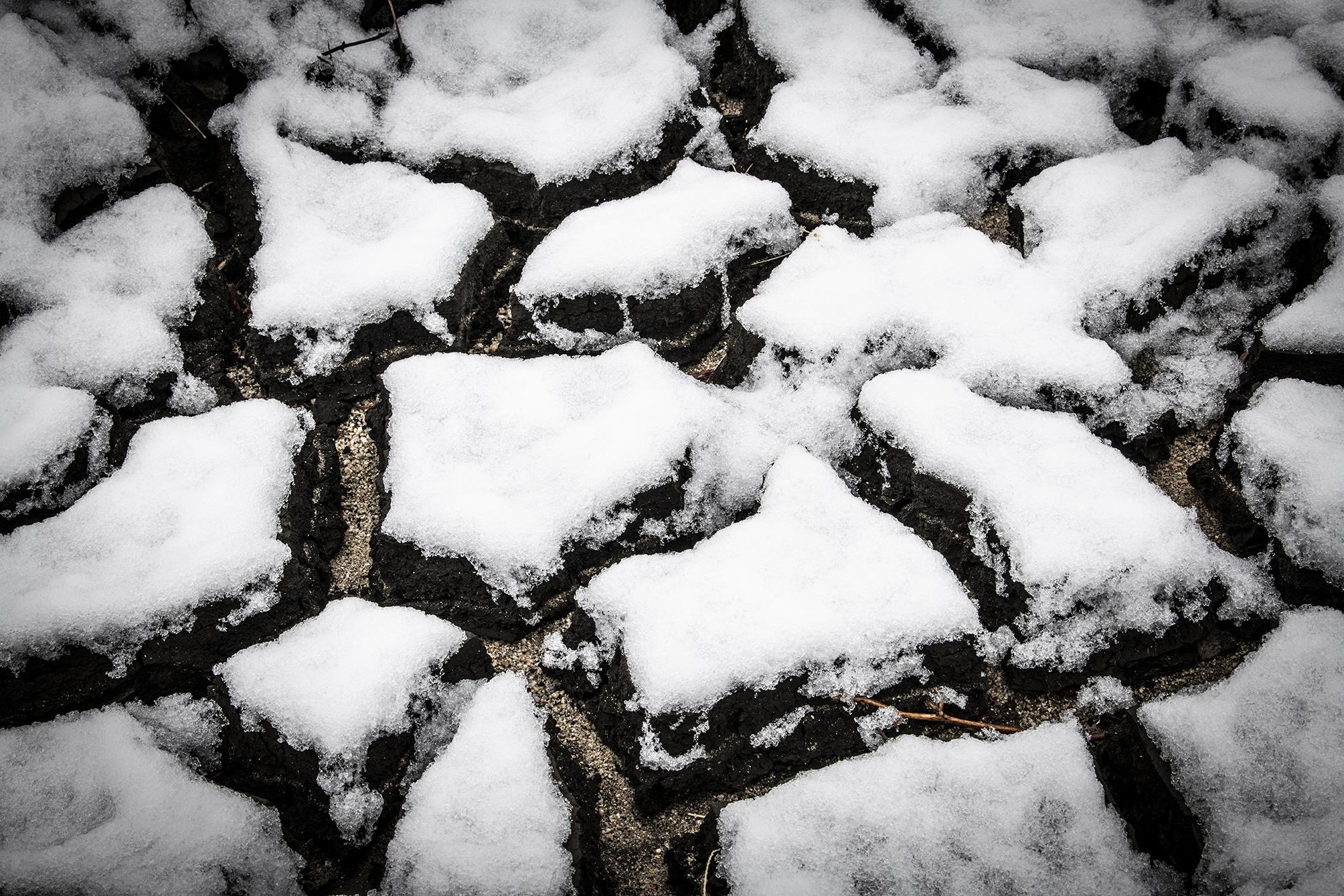 snowy dry river bed near Mono Lake-3309.