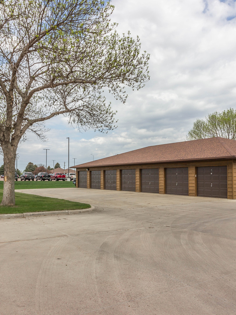 North-View-Estates Garages