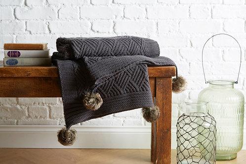 Luxurious Knitted Pom Pom Throw 125x150cm