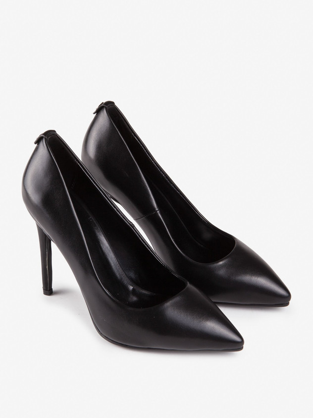 Asymmetrical cut black pumps
