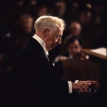 גריג, קונצ'רטו לפסנתר. רובינשטיין