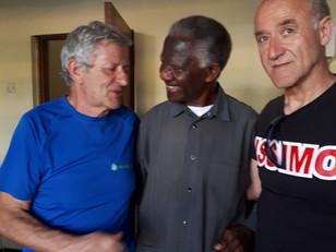Il presidente incontra il vescovo di Iringa.