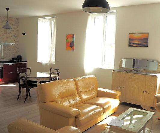 Barthes-Salon1.jpg