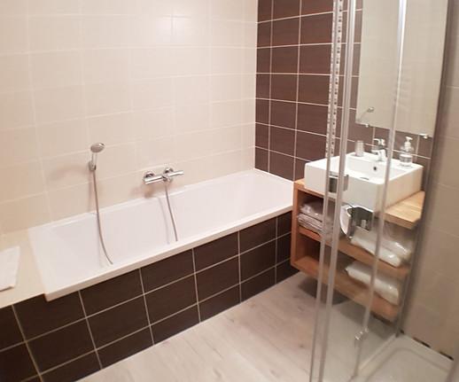 Les Barthes, la salle de bain confortable