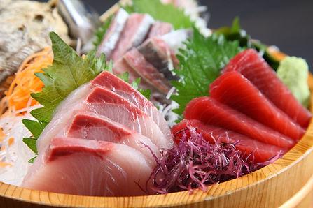 fresh sashimi combo in a tub.jpg