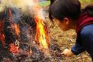 フリースクールはらいふの冬は焚き火