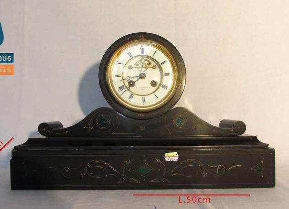 Horloge en pierre