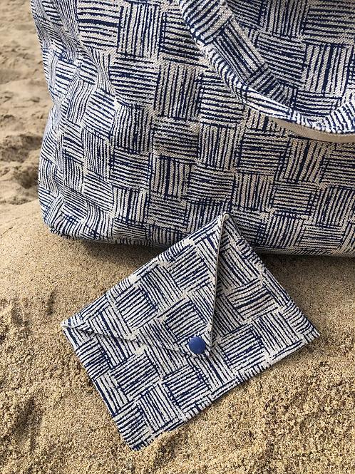 Pochette enveloppe en coton aspect lin motifs bleus