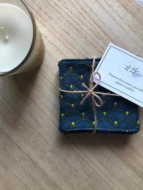 Lingettes en coton et éponge bambou motifs écailles bleu pétrole