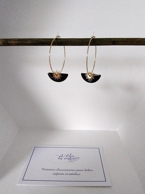 Créoles en métal doré avec sequin demi cercle émaillé noir