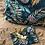 Thumbnail: Pochette enveloppe en coton aspect lin motifs feuilles tropicales