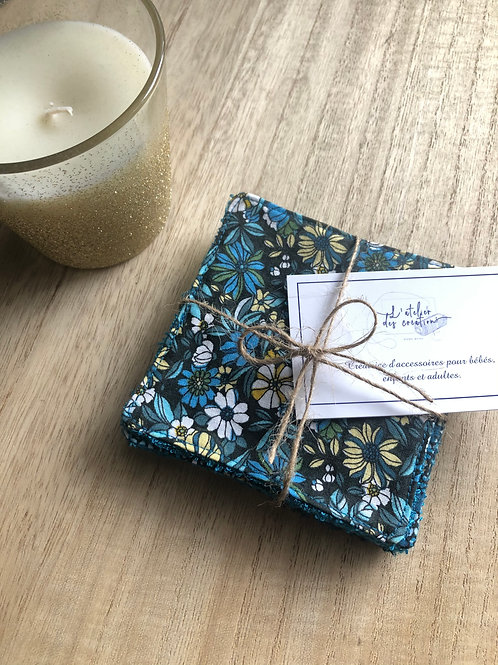 Lingettes en coton et éponge bambou motifs fleuris tons bleu