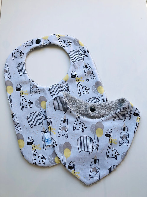 Duo bavoir / bandana en coton et éponge motifs girafes
